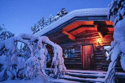 Kakslauttanen_Blockhaus_Arctic Resort